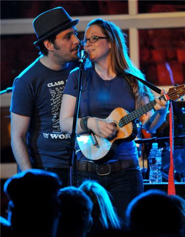 Ingrid and Greg Laswell duet of new song